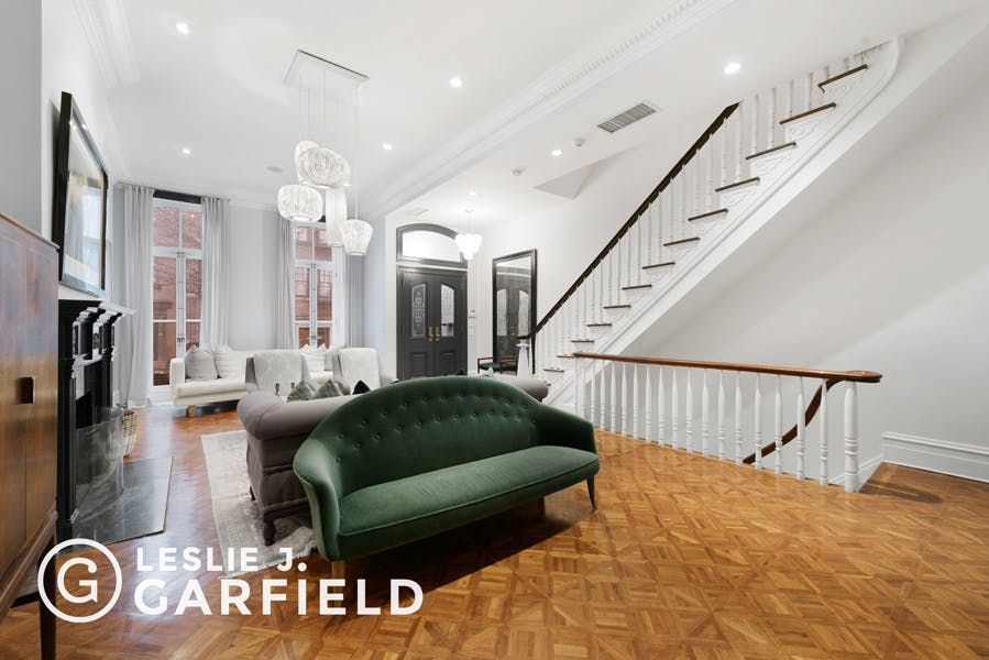 208 West 11th Street  -  - New York City Townhouse Real Estate