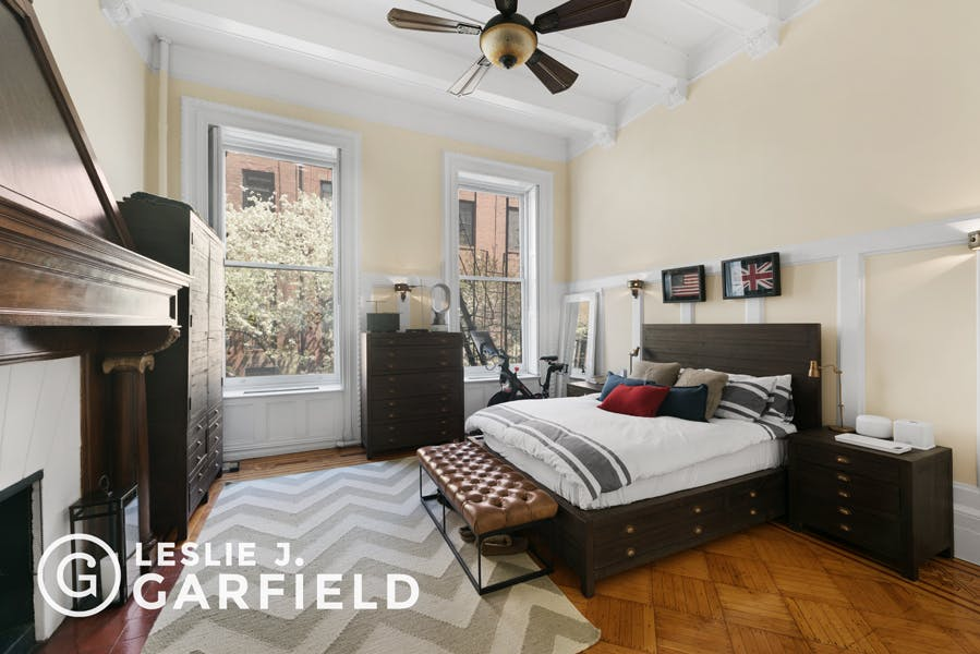 27 West 9th Street, Apt. 2 - 9beea2ab-055a-44a6-979c-c3bd95a8a0f0 - New York City Townhouse Real Estate
