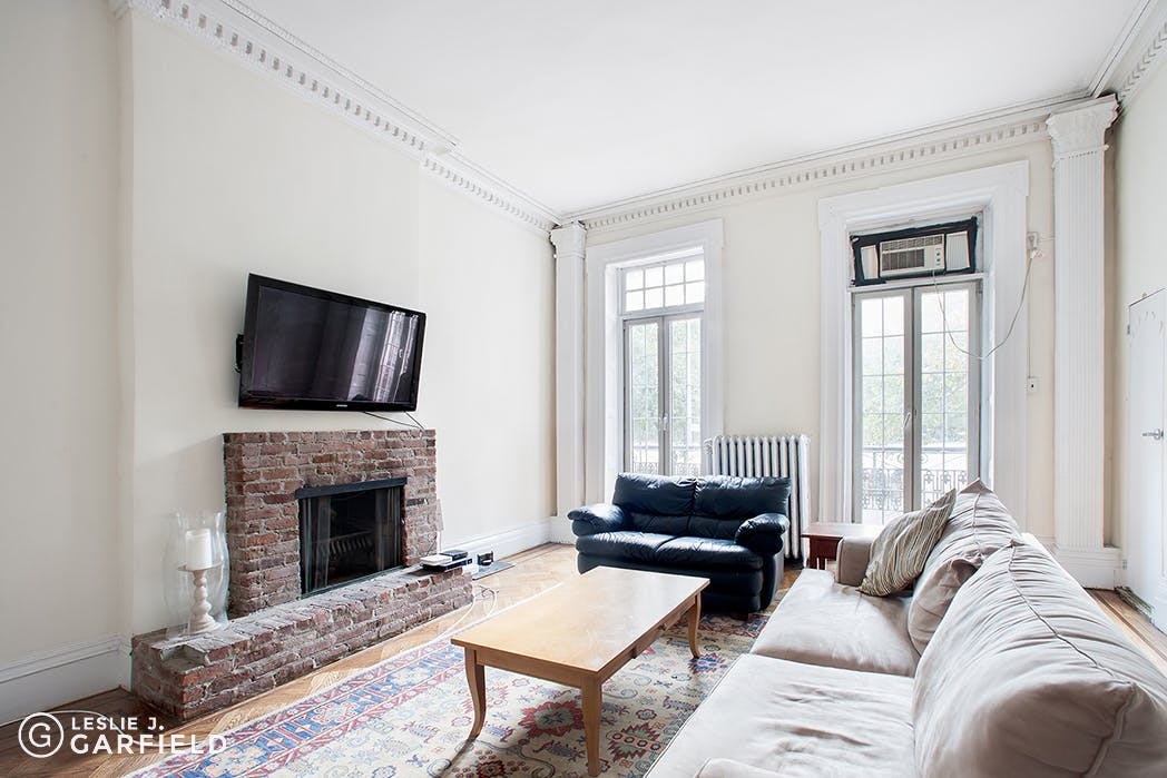 301 East 10th Street - e17d26c6-eef9-4809-a324-35534de8dd57 - New York City Townhouse Real Estate