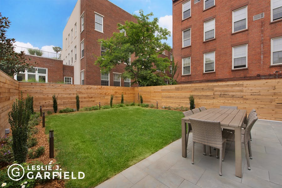 59 Middagh Street - ca23309c-e318-4b89-8a49-de213118b369 - New York City Townhouse Real Estate