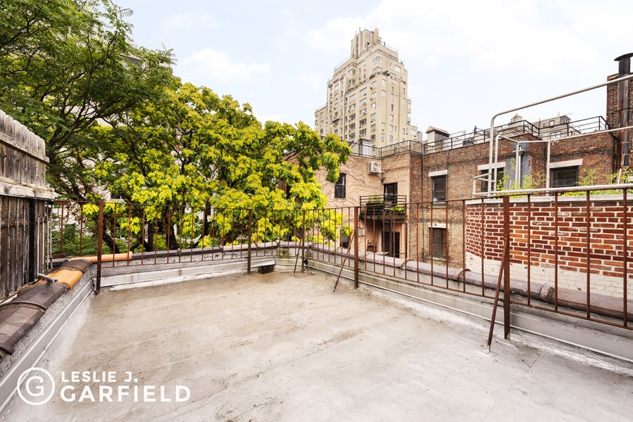 83 Riverside Drive - bf2cf381-b64b-4c39-840b-dee8116d861a - New York City Townhouse Real Estate