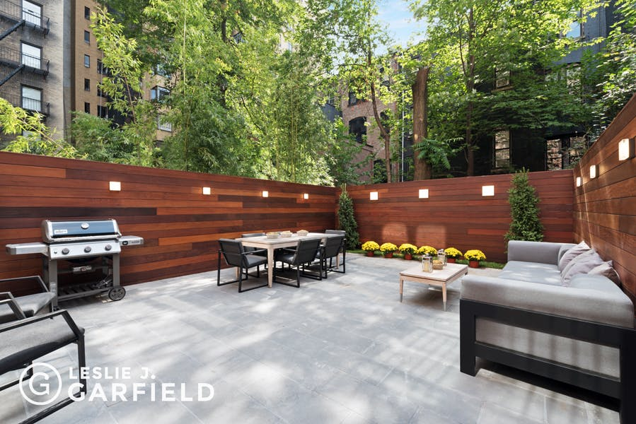 310 West 88th Street  - bf2cf381-b64b-4c39-840b-dee8116d861a - New York City Townhouse Real Estate