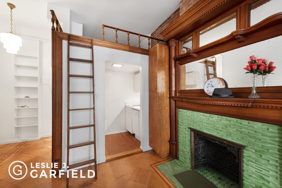 310 West 89th Street - bf2cf381-b64b-4c39-840b-dee8116d861a - New York City Townhouse Real Estate