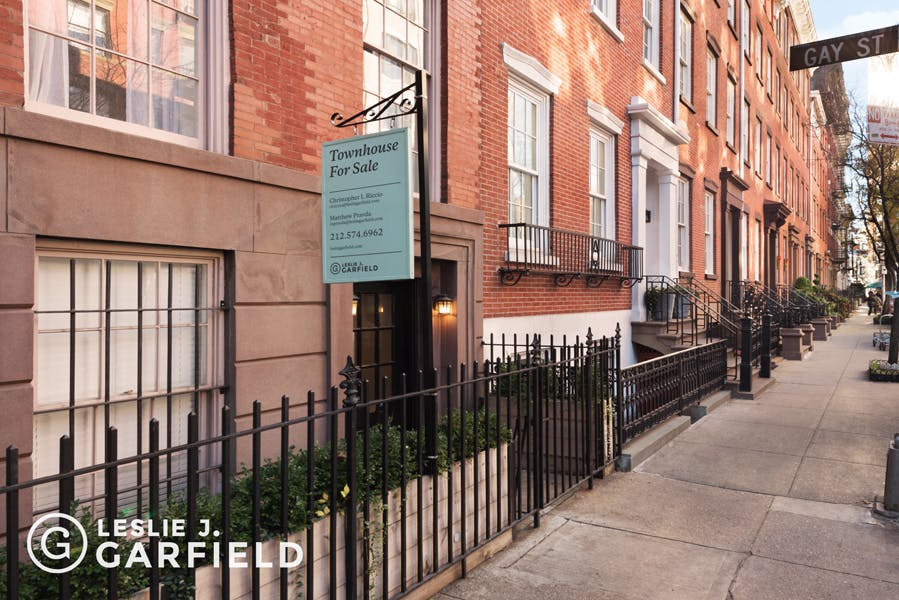 144 Waverly Place - 9beea2ab-055a-44a6-979c-c3bd95a8a0f0 - New York City Townhouse Real Estate