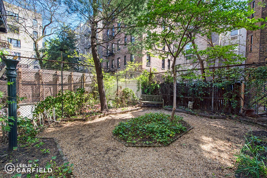 348 West 22nd Street - 0c8a6ea3-e502-49ae-bd13-c8fd249facb7 - New York City Townhouse Real Estate