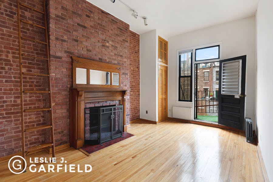 112 West 76th Street - bf2cf381-b64b-4c39-840b-dee8116d861a - New York City Townhouse Real Estate