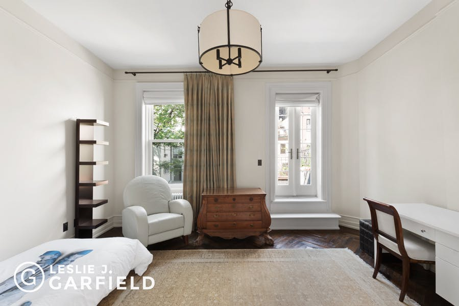 313 West 80th Street - bf2cf381-b64b-4c39-840b-dee8116d861a - New York City Townhouse Real Estate