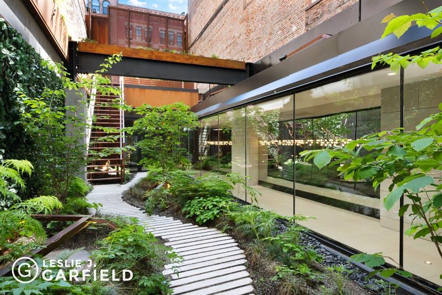 22 Bond Street  - 370e3a5f-84ef-47e5-a558-fb831d65564e - New York City Townhouse Real Estate