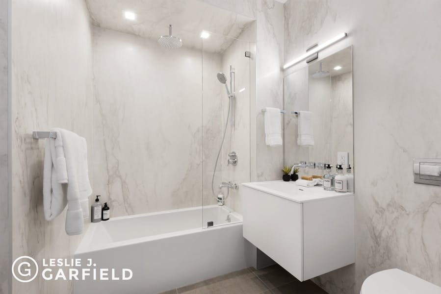 22 Bond Street, Unit D - 370e3a5f-84ef-47e5-a558-fb831d65564e - New York City Townhouse Real Estate