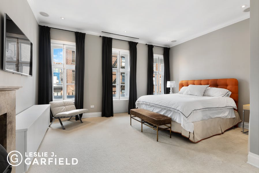 208 West 11th Street  - 9beea2ab-055a-44a6-979c-c3bd95a8a0f0 - New York City Townhouse Real Estate
