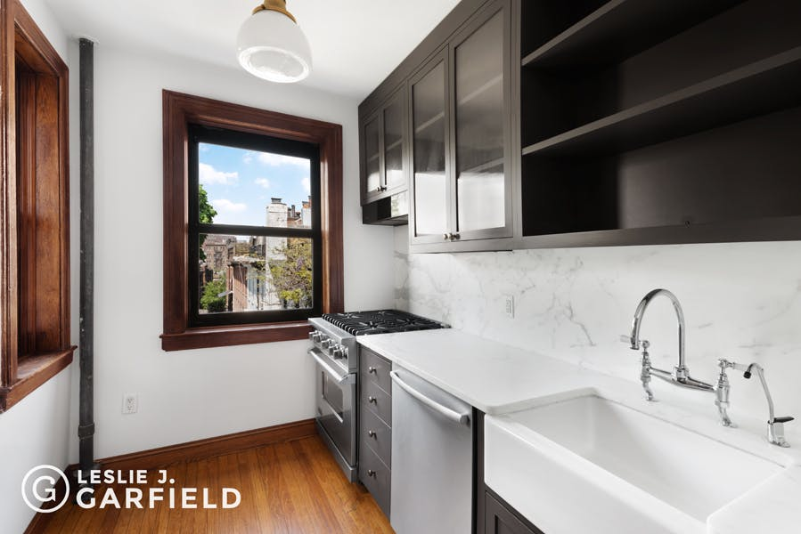 126 West 11th Street #54 - 8c805fa1-d9e9-48a2-9a88-d2d7ad76de49 - New York City Townhouse Real Estate
