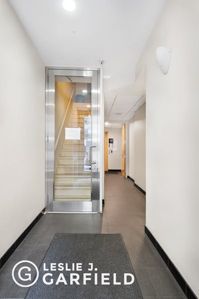 227 East 58th Street, 2nd Floor - 59391f5a-78e6-448c-9f1d-514ed2db95da - New York City Townhouse Real Estate