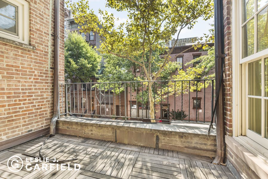 41 Bank Street - 9beea2ab-055a-44a6-979c-c3bd95a8a0f0 - New York City Townhouse Real Estate
