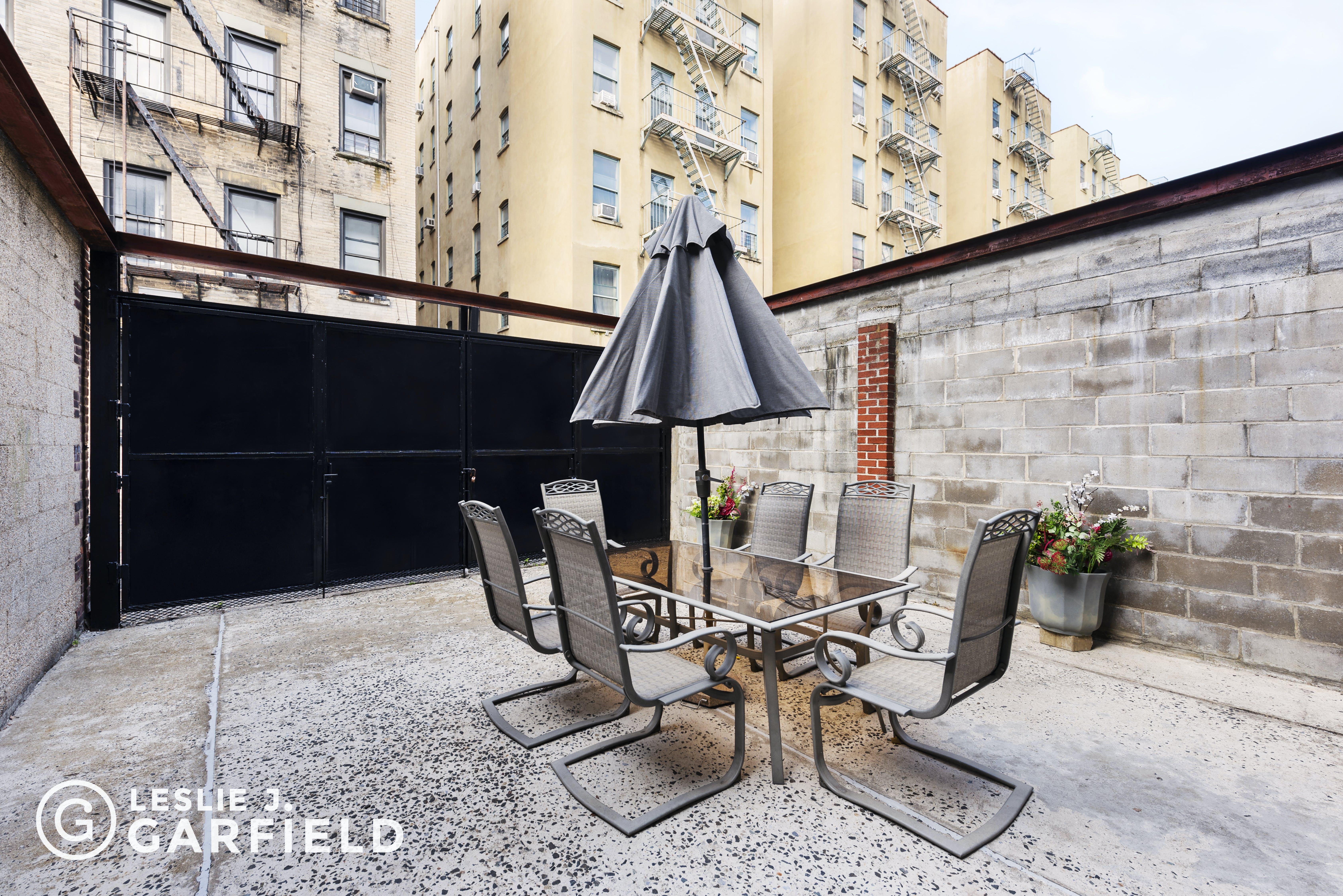 257 West 139th Street - 1dae02eb-dd72-426b-826d-0ece75c02207 - New York City Townhouse Real Estate