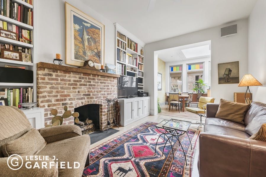 116 Washington Place - 8c805fa1-d9e9-48a2-9a88-d2d7ad76de49 - New York City Townhouse Real Estate