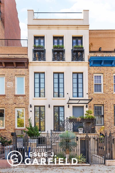 204 Prospect Park Southwest - b9717650-7b0f-44d1-97c2-95e8df07873c - New York City Townhouse Real Estate