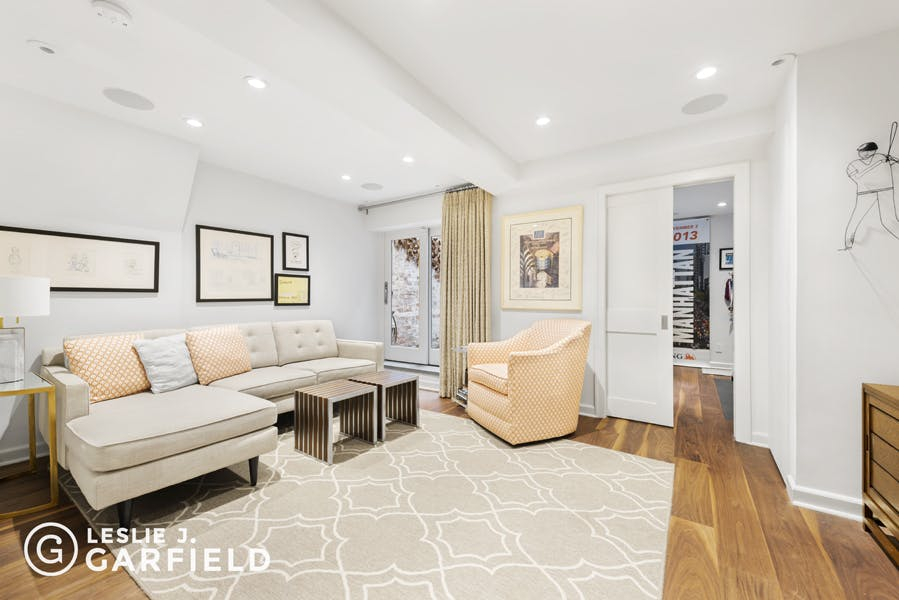 144 East End Avenue - 43a88703-21d9-4d31-8b43-5bc860f07760 - New York City Townhouse Real Estate
