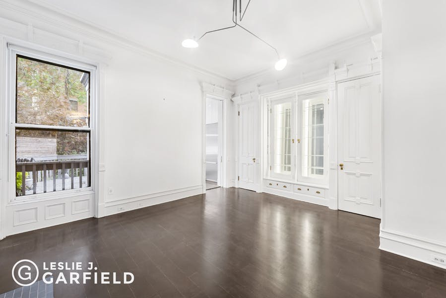 505 First Street - eca2587e-ef34-44ed-aed9-3660079958dd - New York City Townhouse Real Estate
