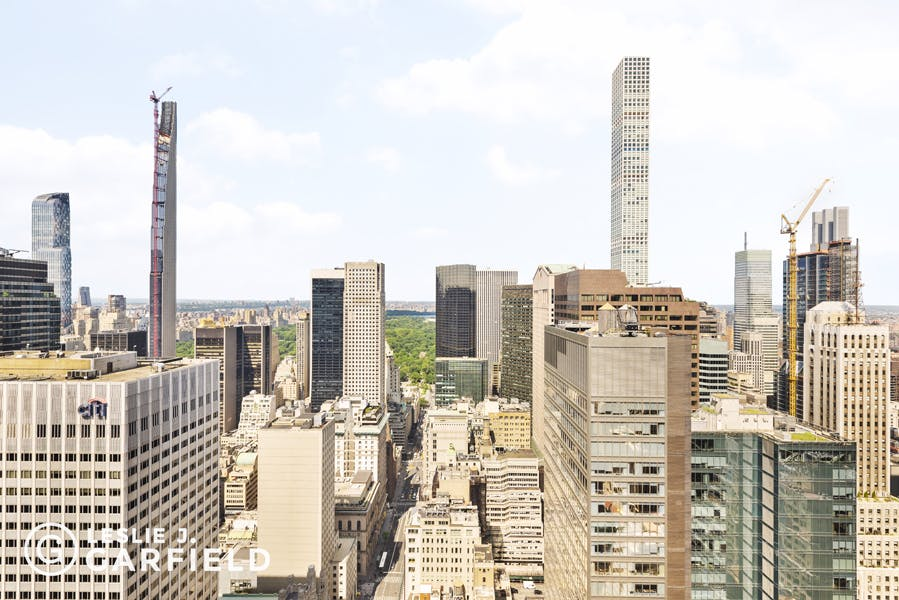 641 Fifth Avenue, #45B - 59391f5a-78e6-448c-9f1d-514ed2db95da - New York City Townhouse Real Estate