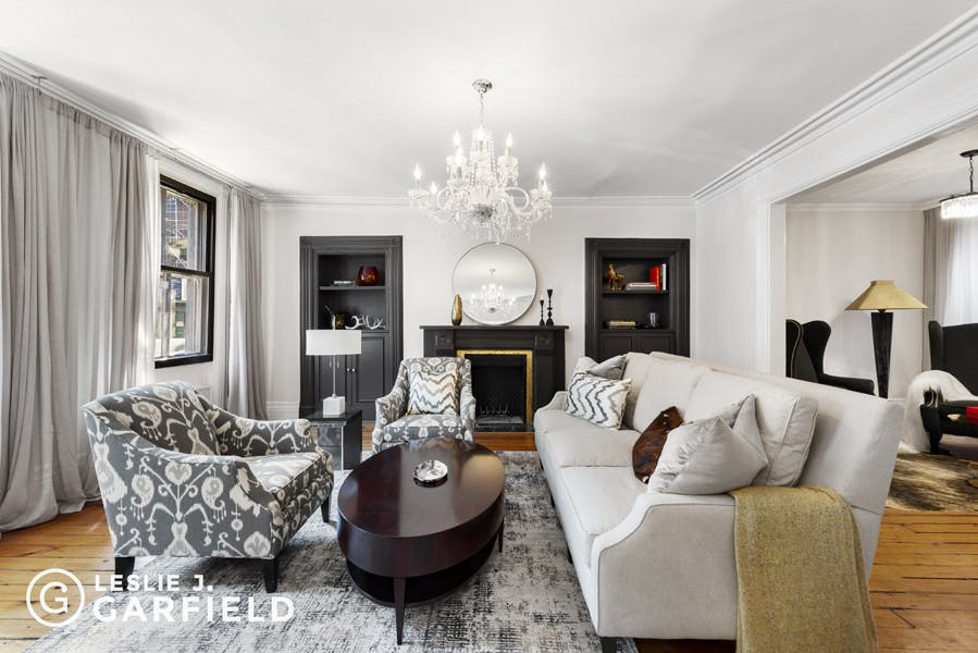 251 West 11th Street - 9beea2ab-055a-44a6-979c-c3bd95a8a0f0 - New York City Townhouse Real Estate