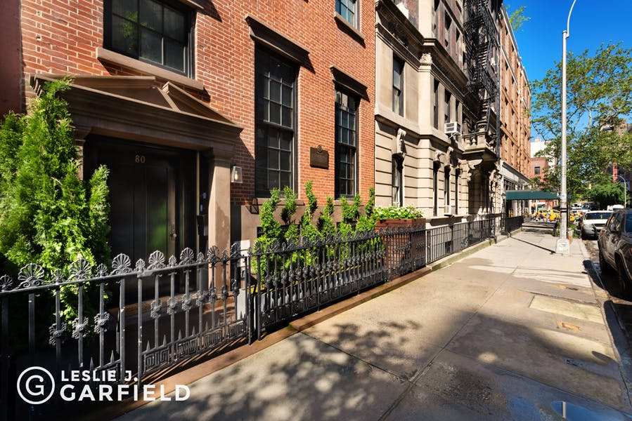 80 Washington Place - 8c805fa1-d9e9-48a2-9a88-d2d7ad76de49 - New York City Townhouse Real Estate