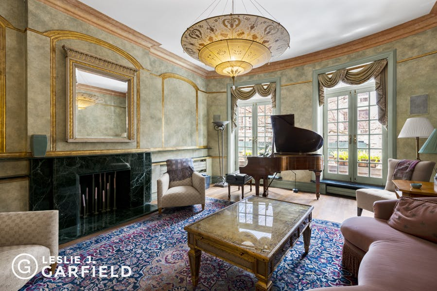 307 West 90th Street - bf2cf381-b64b-4c39-840b-dee8116d861a - New York City Townhouse Real Estate