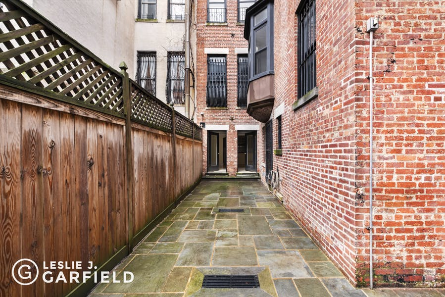 9 East 94th Street - b038d574-d8ae-427c-9e0c-a8b0f7924bfd - New York City Townhouse Real Estate