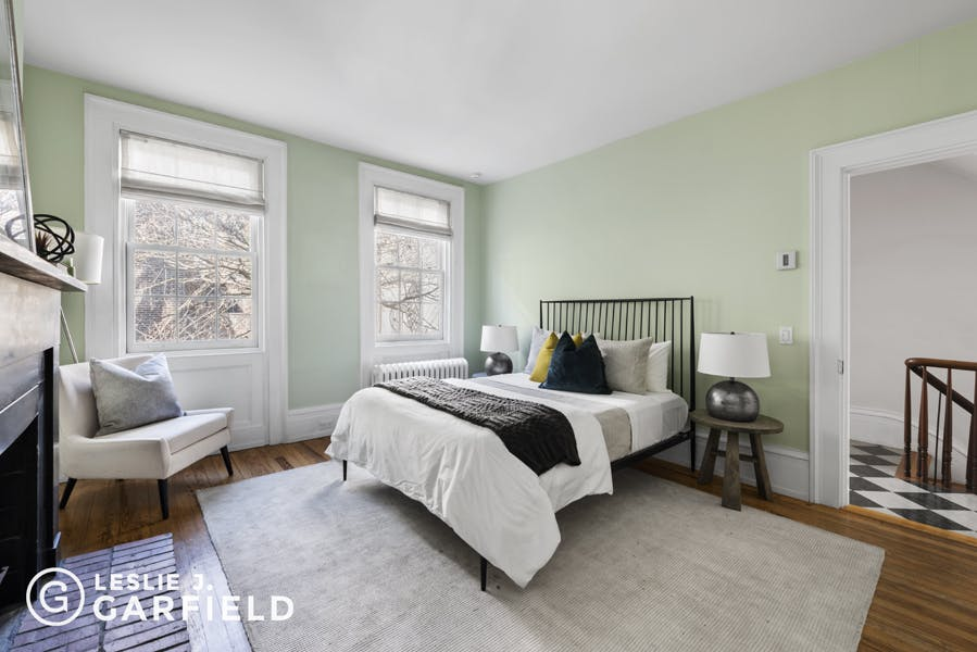 211 West 11th Street - 9beea2ab-055a-44a6-979c-c3bd95a8a0f0 - New York City Townhouse Real Estate