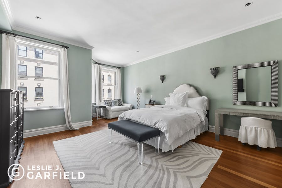 28 East 95th Street - b038d574-d8ae-427c-9e0c-a8b0f7924bfd - New York City Townhouse Real Estate