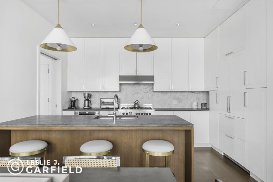 345 Carroll Street, PHG - b9717650-7b0f-44d1-97c2-95e8df07873c - New York City Townhouse Real Estate