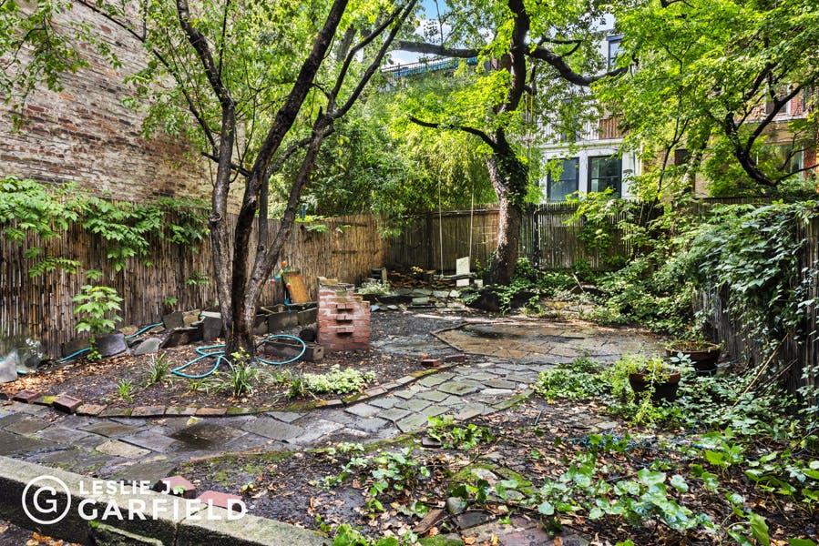 235 West 11th Street - 9beea2ab-055a-44a6-979c-c3bd95a8a0f0 - New York City Townhouse Real Estate