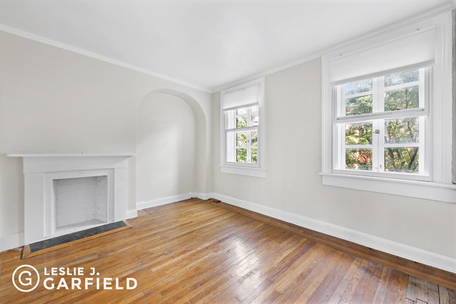 235 West 11th Street, #Duplex - 9beea2ab-055a-44a6-979c-c3bd95a8a0f0 - New York City Townhouse Real Estate