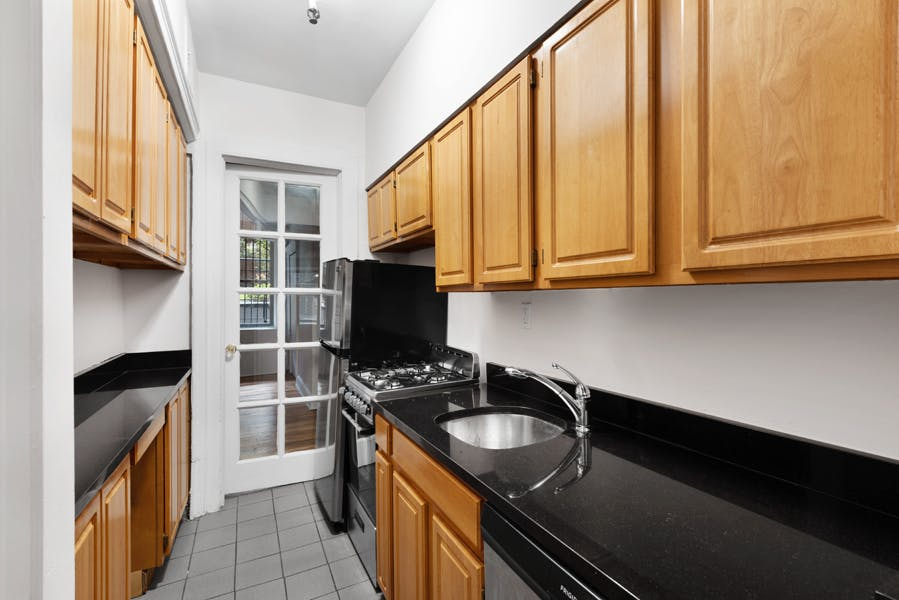 155 East 37th Street - 59391f5a-78e6-448c-9f1d-514ed2db95da - New York City Townhouse Real Estate