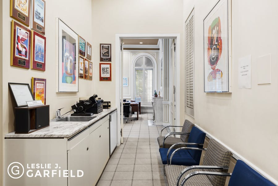 154 East 71st Street - 43a88703-21d9-4d31-8b43-5bc860f07760 - New York City Townhouse Real Estate