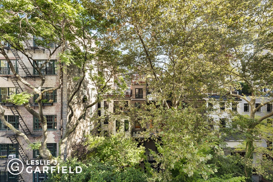 147 East 18th Street - 12608cf7-f733-4d13-906f-f55bbd4603fc - New York City Townhouse Real Estate