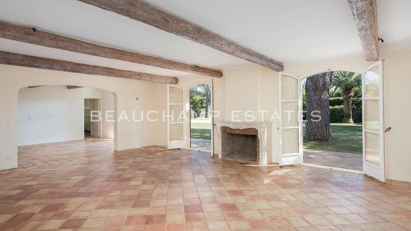 Beautiful villa in a gated estate, Les Parcs de Saint Tropez -  - New York City Townhouse Real Estate