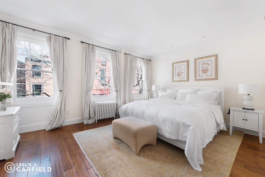 128 Bank Street - 9beea2ab-055a-44a6-979c-c3bd95a8a0f0 - New York City Townhouse Real Estate