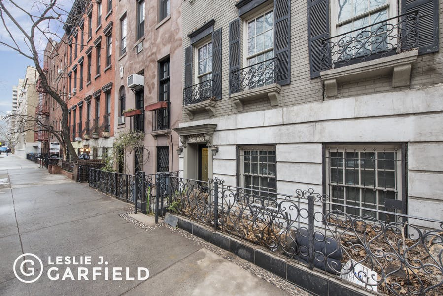 353 East 19th Street - 12608cf7-f733-4d13-906f-f55bbd4603fc - New York City Townhouse Real Estate