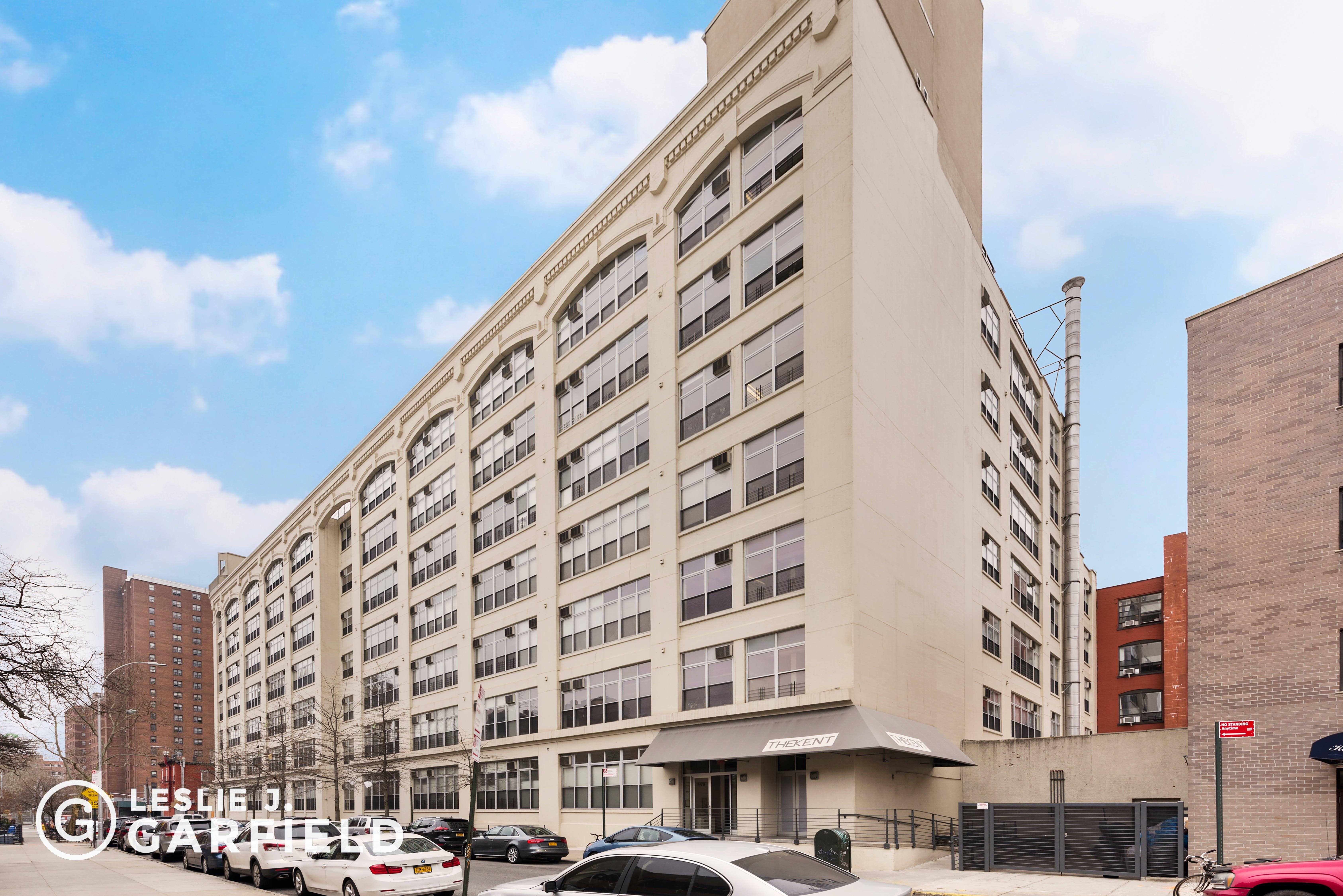 970 Kent Ave #710 - b9717650-7b0f-44d1-97c2-95e8df07873c - New York City Townhouse Real Estate