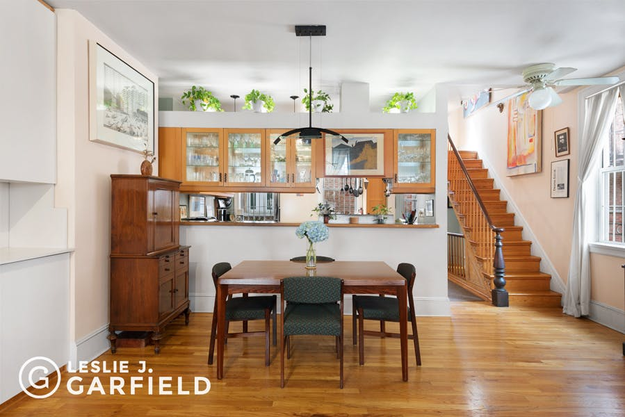 5 Minetta Lane  - 8c805fa1-d9e9-48a2-9a88-d2d7ad76de49 - New York City Townhouse Real Estate