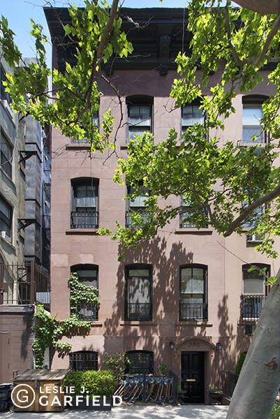 303 East 18th Street, Lower Duplex - 12608cf7-f733-4d13-906f-f55bbd4603fc - New York City Townhouse Real Estate