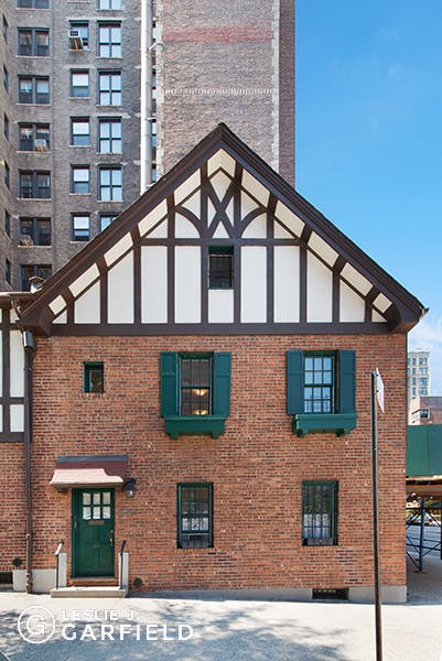 274 West 95th Street - bf2cf381-b64b-4c39-840b-dee8116d861a - New York City Townhouse Real Estate