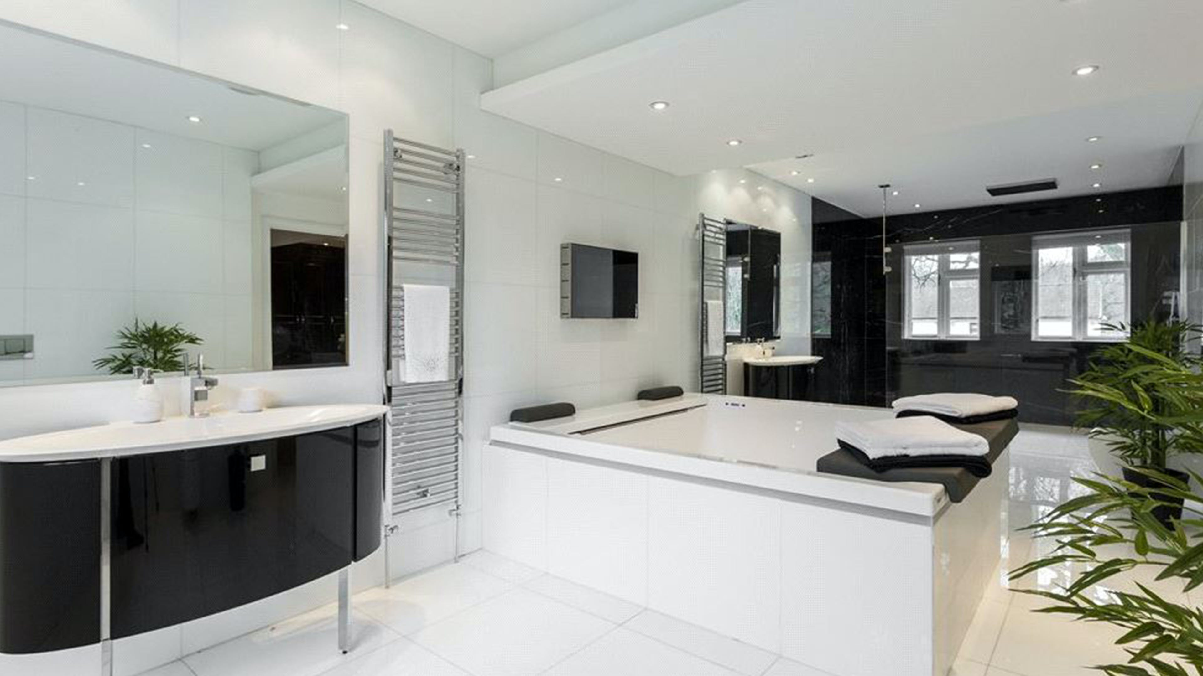 The White House, Coombe Park -  - New York City Townhouse Real Estate