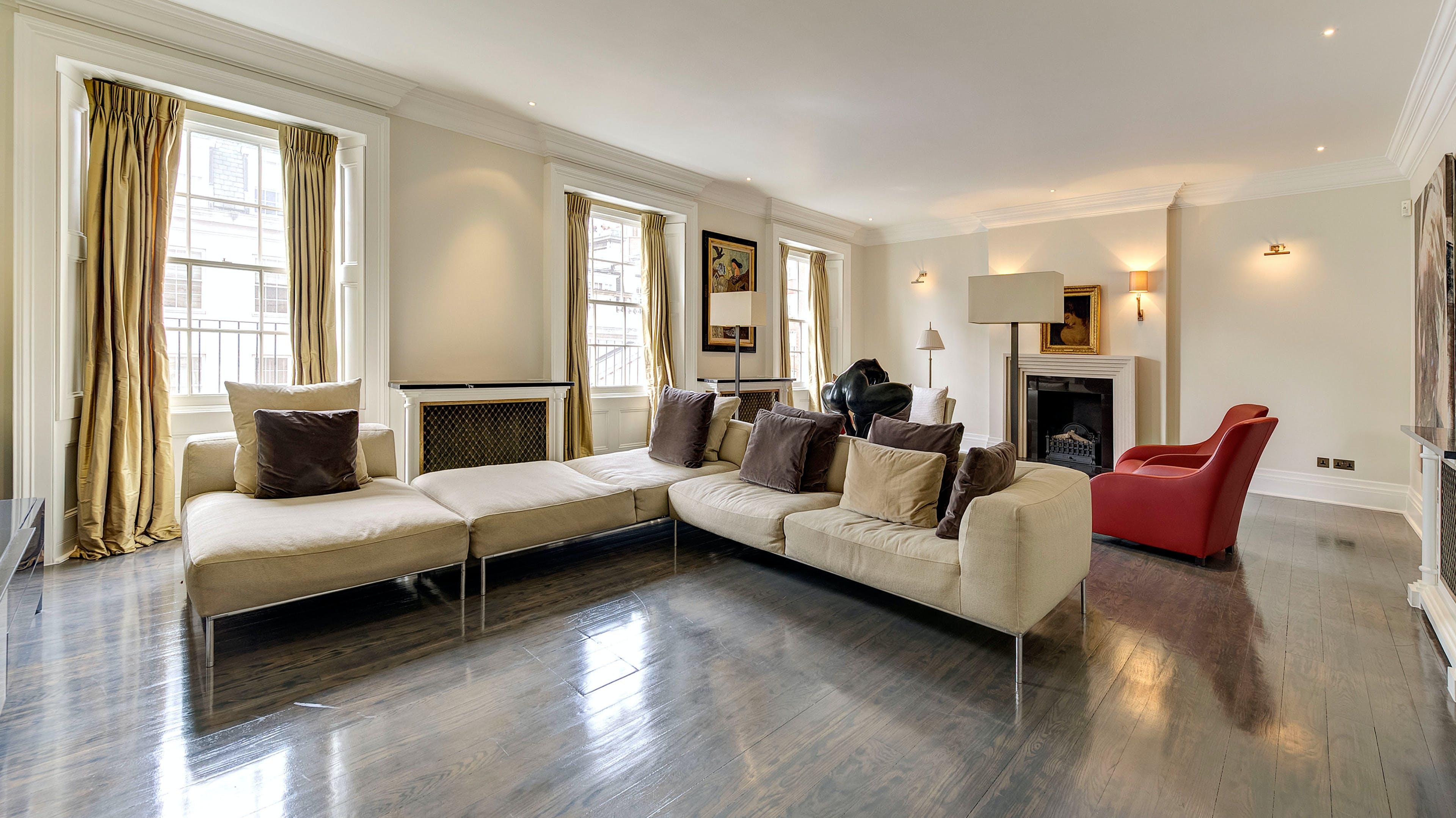 Upper Grosvenor Street -  - New York City Townhouse Real Estate