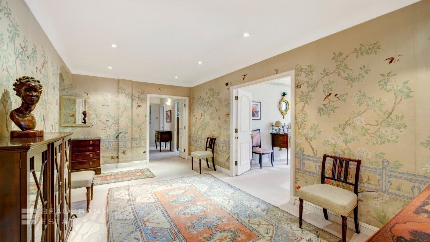 Lowndes Square, SW1 -  - New York City Townhouse Real Estate