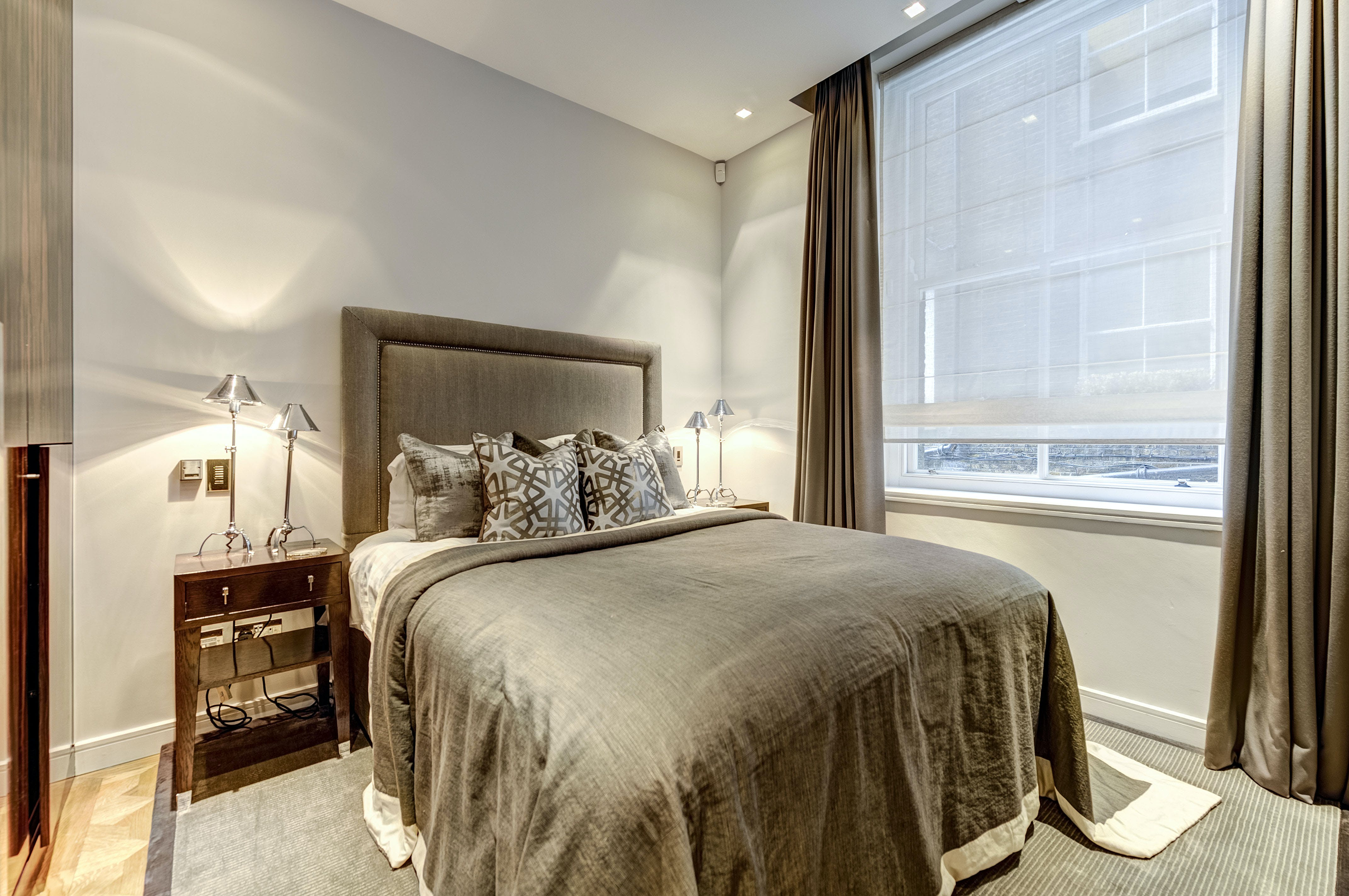 Rutland Court, SW7 -  - New York City Townhouse Real Estate