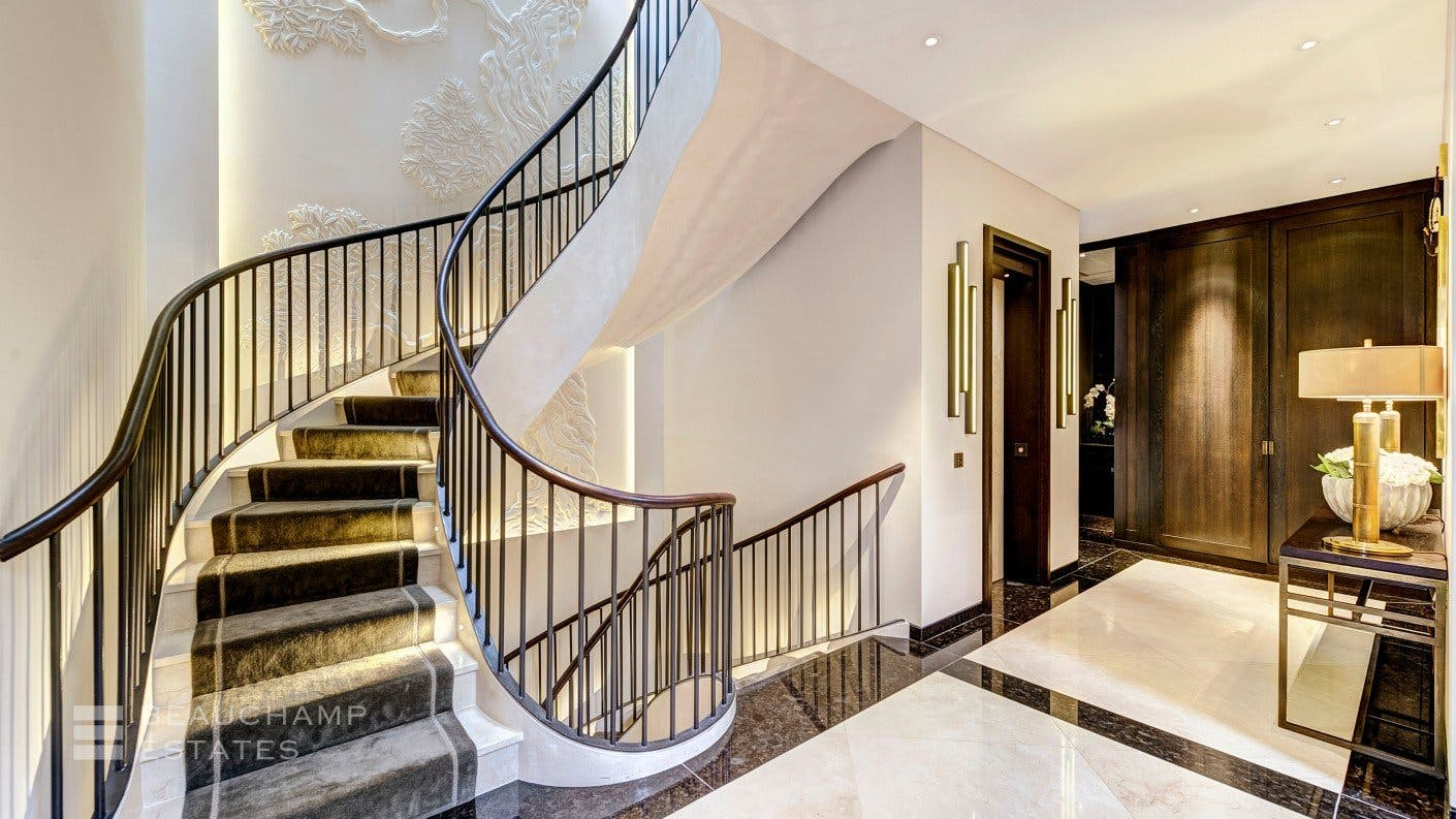Wilton Mews, SW1 -  - New York City Townhouse Real Estate